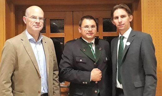 Bürgermeister Karl Habisch (Mitte) mit Vize Josef Gaber und Bezirksparteiobmann Joachim Schnabel