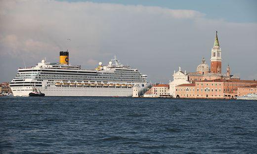 Venedig - Kreuzfahrtschiff rammt Touristenboot - mehrere Verletzte
