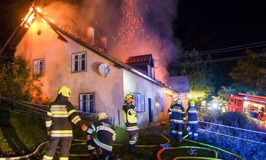 Das Haus wurde schwer beschädigt