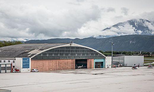 Die historischen Hangars am Flughafen Klagenfurt werden abgerissen
