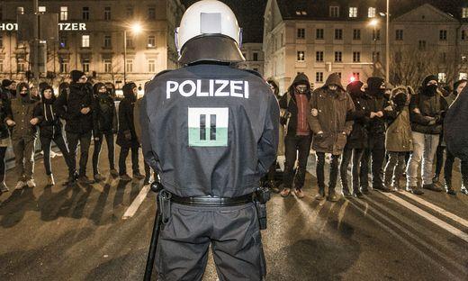 Auch in Graz wurde gegen den Akademikerball demonstriert.