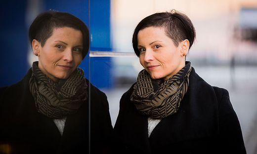 Anita Ogris hat selbst zwei Sternenkinder, seit Jahren begleitet sie Betroffene durch die schwere Zeit