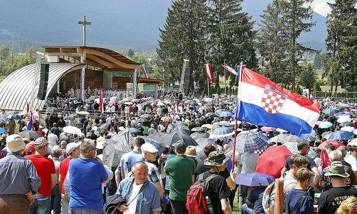 Die Gedenkfeier am Loibacher Feld gilt seit Jahren als Treffpunkt von Ewiggestrigen.