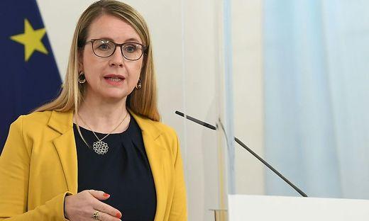 Wirtschaftsministerin Margarete Schramböck