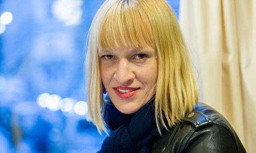 INTERVIEW: TERESA ROTSCHOPF