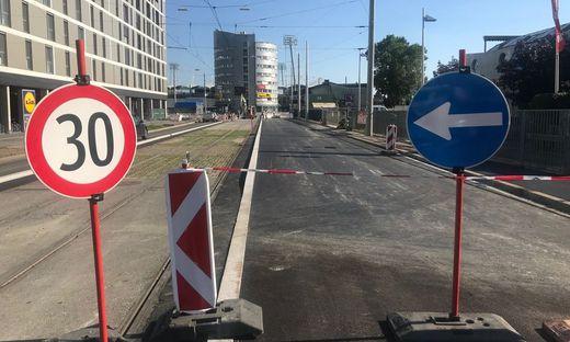 Ein Bild, das Autofahrer oft erzürnt: Eine Straßenbaustelle auf der sich nichts tut