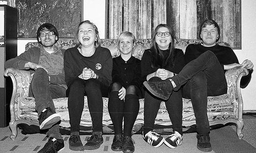 """Die Band Crush veröffentlichte vor Kurzem die EP """"Damaged Goods"""""""