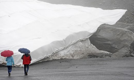 Schneedepot am Rettenbachferner