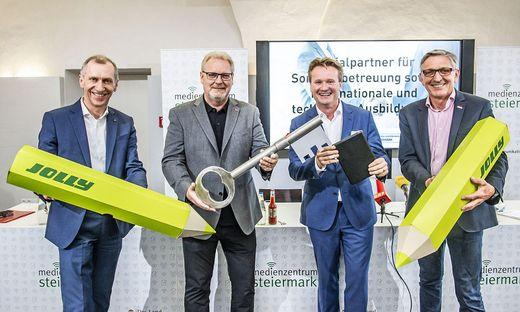 Schulterschluss der steirischen Sozialpartner: Josef Pesserl (AK), Horst Schachner (ÖGB), Georg Knill (IV), Josef Herk (WK)
