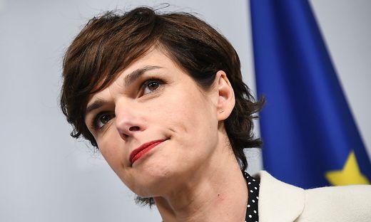 SPÖ-Chefin Pamela Rendi-Wagner steht zu ihrem Misstrauensantrag gegen die gesamte Regierung