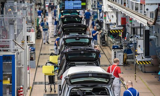 FILES-GERMANY-AUTOMOBILE-MANUFACTURING