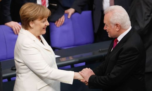 Merkel zum vierten Mal zur Kanzlerin gewählt