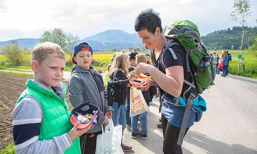Die Kinder konnten wieder zahlreiche Süßigkeiten sammeln