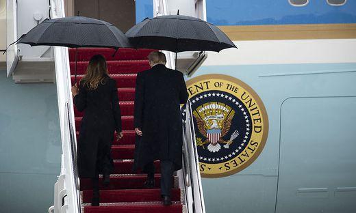 Melania und Donald Trump auf dem Weg zum Nato-Gipfel in London
