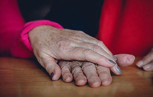 Besonders durch das Corona-Virus gefährdet: alte Menschen