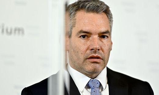Innenminister Karl Nehammer steht nach den Ermittlungspannen unter Kritik
