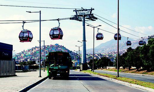 "Teil des Nahverkehrsnetzes in Bogota (Kolumbien): ""TransMiCable"""