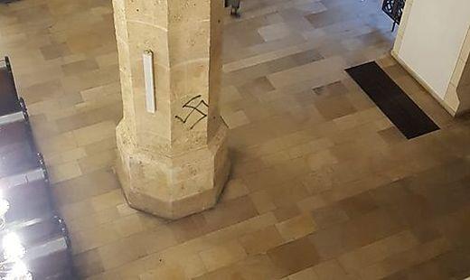 Hakenkreuz Stadtpfarrkirche