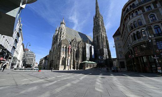 Leergefegt - der Stephansplatz in Wien ++ THEMENBILD ++ CORONAVIRUS - SITUATION IN DER WIENER INNENSTADT