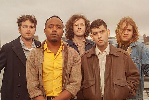 "Durand Jones und seine Band ""The Indications"""