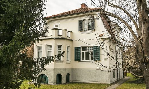 Villa auf den Königsmühlgründen für die eine Abbruchbewilligung beantragt wurde