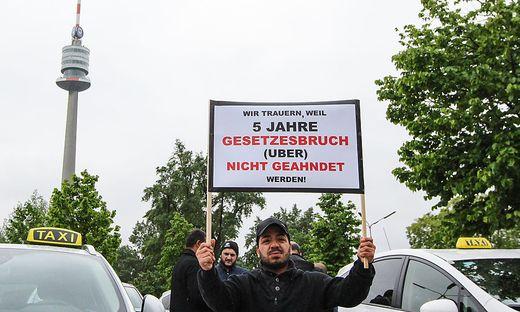 Jüngste Demo von Wiener Taxifahrern gegen Uber Mitte Mai