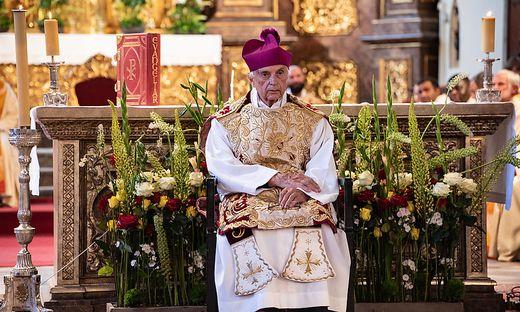 Alfons Maria Wedenig verabschiedet sich aus seiner Stadthauptpfarrkirche
