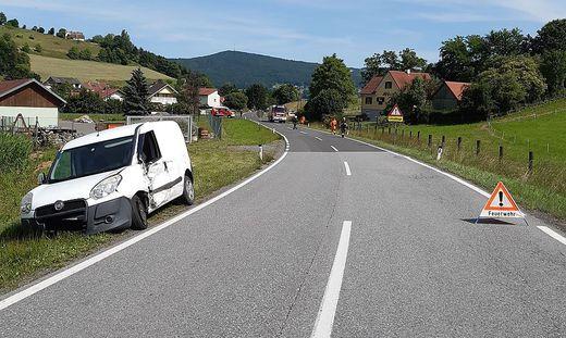 Im südoststeirischen Trautmannsdorf misslang ein Überholmanöver - zum Glück ohne Personenschaden