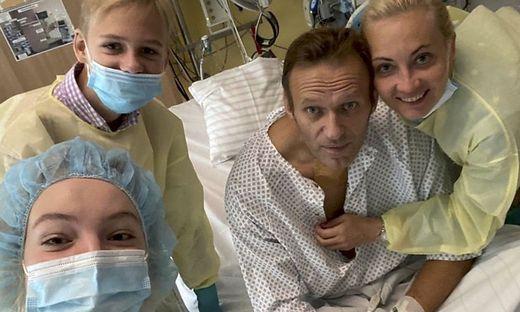 Alexej Nawalny mit seiner glücklichen Familie