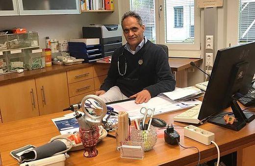 Ein Lösungsvorschlag des Allgemeinmediziners Farhad Dianat wird vom Anwalt der Familie Reidlinger geprüft