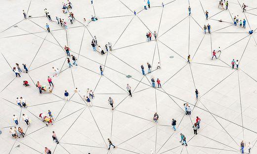 Gemeinschaft und Zusammenhalt in der Krise kann zu einem kollektiven Umdenken führen.