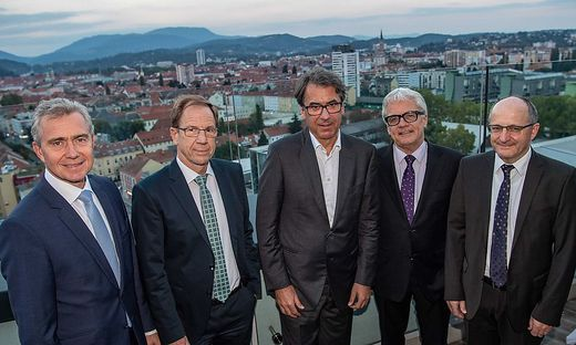 Standort-Debatte über den Dächern von Graz: Karl-Friedrich Stracke, Reinhard Ploss, Stefan Pierer, Wolfgang Eder und Christian Keuschnigg