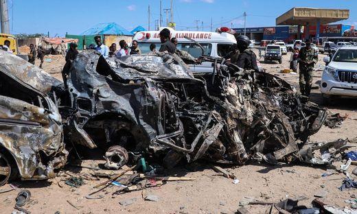 Die Autobombe ging an einem belebten Kontrollpunkt in Mogadischu hoch