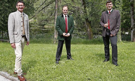 Siegfried Huber (links) folgt Johann Mößler nach. Vom Rücktritt war auch Landesrat Martin Gruber überrascht