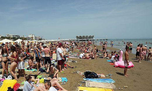 Party am Pfingstwochenende in Lignano. Ein St. Veiter wurde am Strand bestohlen