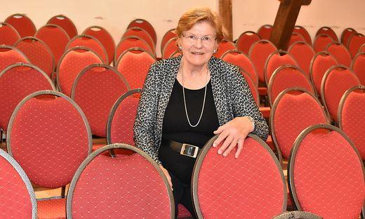 Elisabeth Sickl in ihrem Schlossstadl, den sie zum Kulturzentrum ausgebaut hat