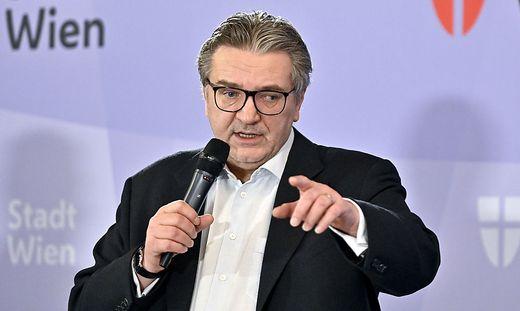 Peter Hacker, Gesundheitsstadtrat in Wien, hat die Leitung der SPÖ-Bezirkspartei im neunten Wiener Gemeindebezirk abgegeben.