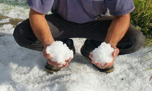 """""""Schneebälle"""" aus Hagel"""