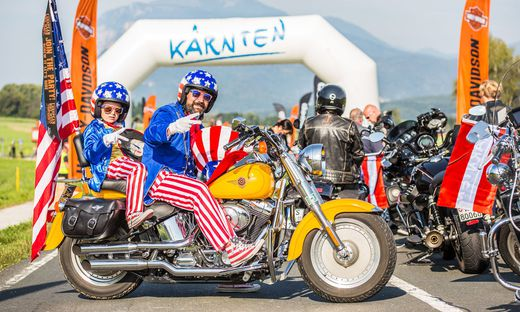 Harley Davidson Rundfahrt Sternfahrt 2016 European Bike Week Aufstellung