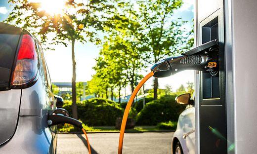 Im Juli fuhr jeder zehnte Neuwagen in Österreich rein elektrisch. Deutlich weniger Pkw-Neuzulassungen im abgelaufenen Monat.