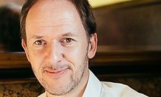 Christian Hölbling ist Künstler, Kabarettist und schreibt regelmäßig in der Kleinen Zeitung