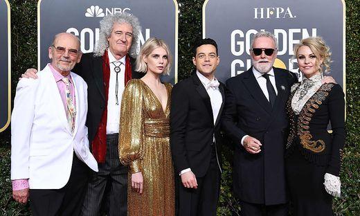 Jim Beach, Brian May of Queen, Lucy Boynton, Rami Malek, Roger Taylor of Queen und seine Frau Sarina Potgieter