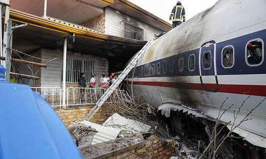 Zehn Personen sollen an Bord er Boeing 707 gewesen sein