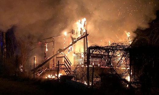 Das Haus brannte nieder