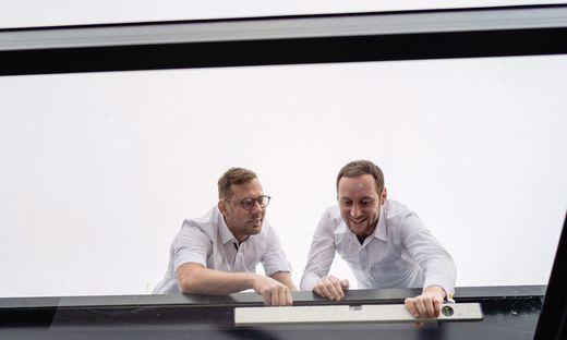 Mängeln auf der Spur: Wolfgang Ebner und Gerhard Stefan