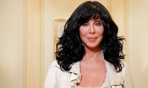 """""""Hi, hier ist Cher und ich möchte gerne wissen, ob Sie Ehrenamtliche einstellen?"""""""