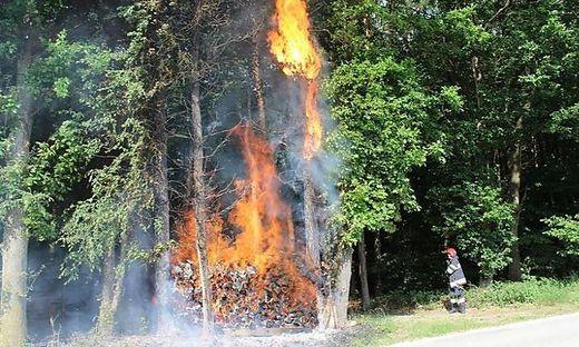 Die Feuerwehr Kaindorf rückte mit 24 Mann und die Feuerwehr Blaindorf mit vier Mann aus