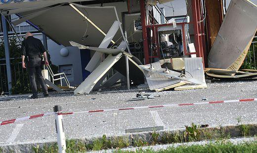 """Der """"Drive-In""""-Bankomat in Hart bei Arnoldstein wurde durch die Sprengung völlig zerstört"""