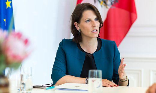Ministerin Karoline Edtstadler (ÖVP)