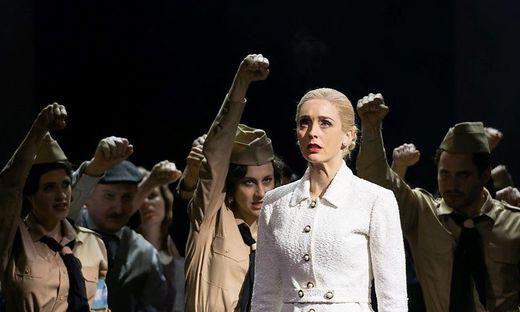 Eine mitreißende Evita: Annemieke van Dam